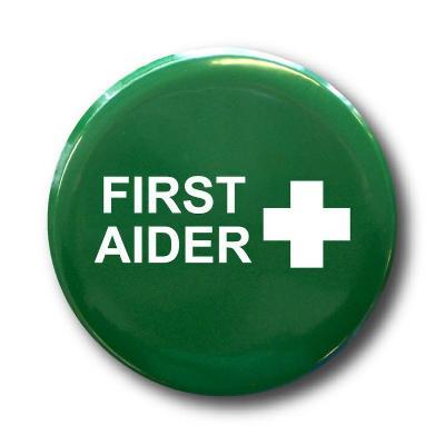 Metal First Aider Badge Round K2